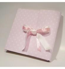Album fotografico in tessuto stampato rosa a pois con doppio nastro in raso rosa e bianco