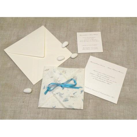 Partecipazione origami con carta provenza celeste, nastrini di organza e raso. Interno di carta seta.