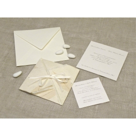 Participation origami paper leaf rubber, organza and satin ribbons. Interior silk paper.