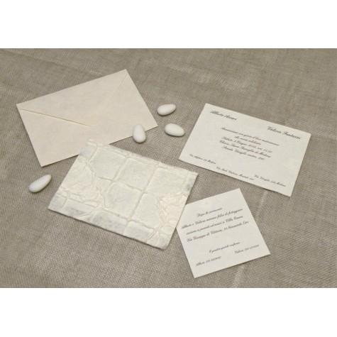 Partecipazione di nozze con carta ricamo. Interno in carta seta.