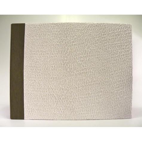 Album fotografico rivestito in carta moonrock bianco con dorso in canapetta marrone