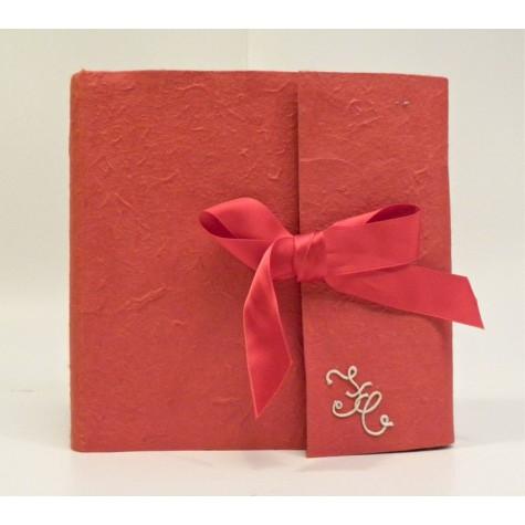 Album firme matrimonio rivestito in carta gelso rosso con nastro in raso rosso
