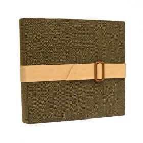 Photo album with flap made with barbed canvas and buckle closure