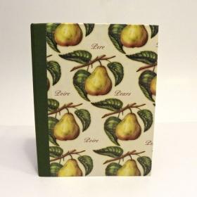 """Ricettario da cucina con dorso in tela e copertina rivestita di carta con stampa """"pere"""""""