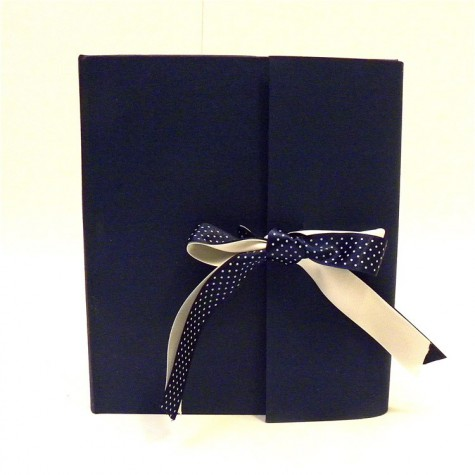 Photo album made whit canvas Cialux blu with blu and white ivory satin bow
